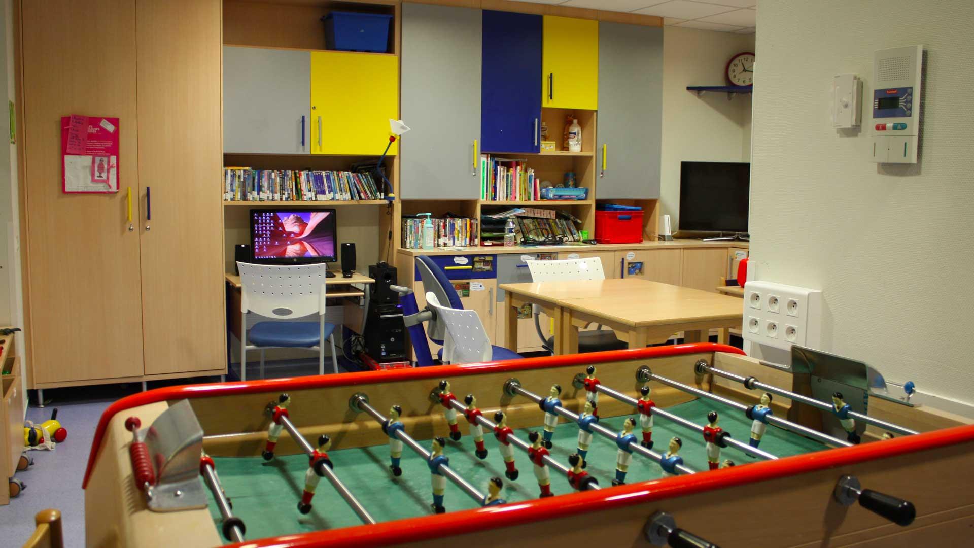 espace de jeux arame association r gionale d 39 action m dicale et sociale en faveur d 39 enfants. Black Bedroom Furniture Sets. Home Design Ideas
