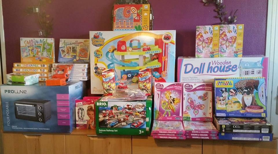 Des jouets pour les enfants de l'arame