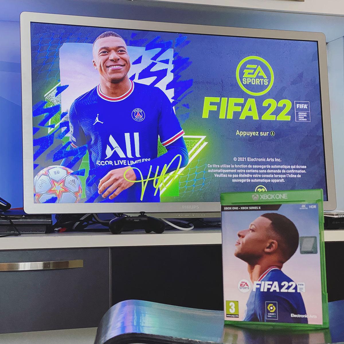 FIFA 22 est disponible dans la salle des ado - service onco hémato pédiatrique