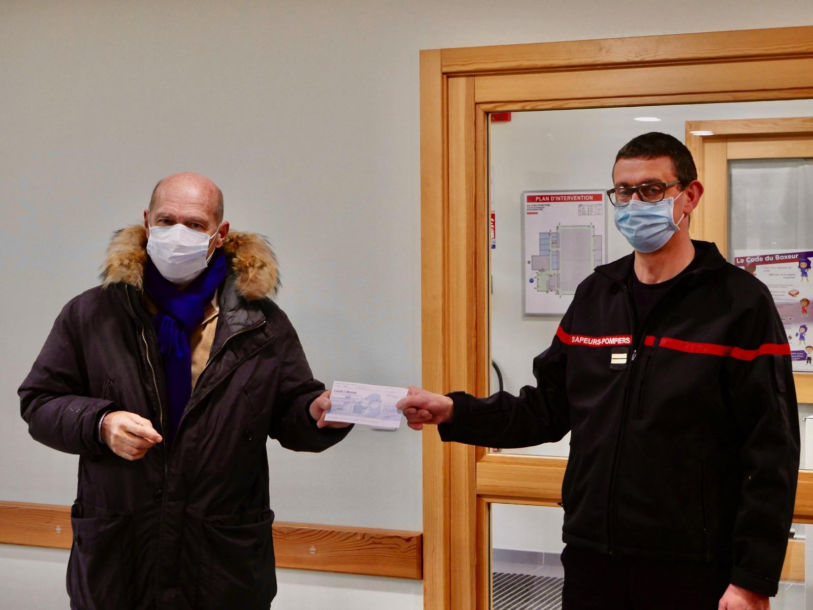 L'association ARAME reçoit un chèque des pompiers de Marmoutier
