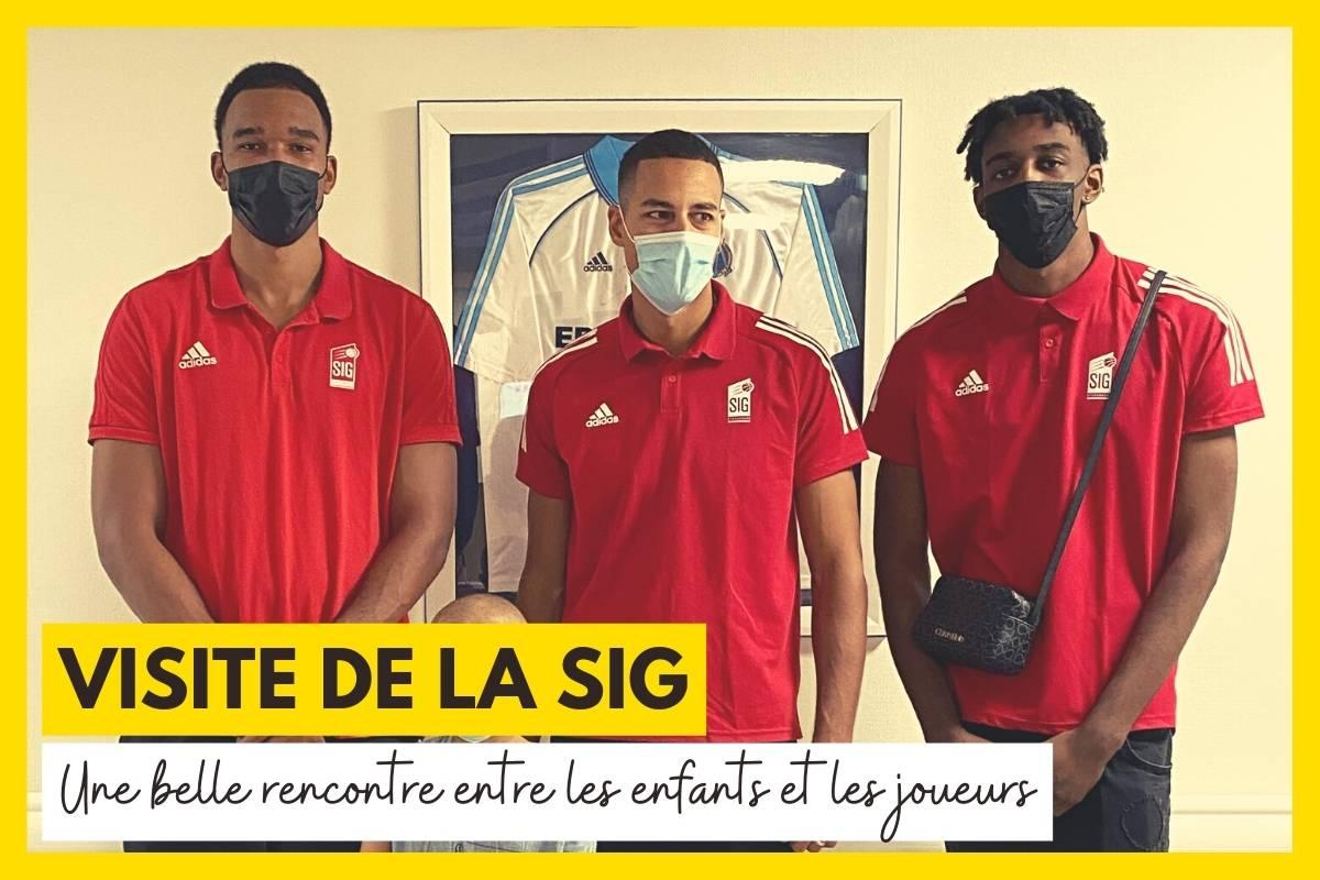 Le club de basket de Strasbourg rend visite aux enfants malades